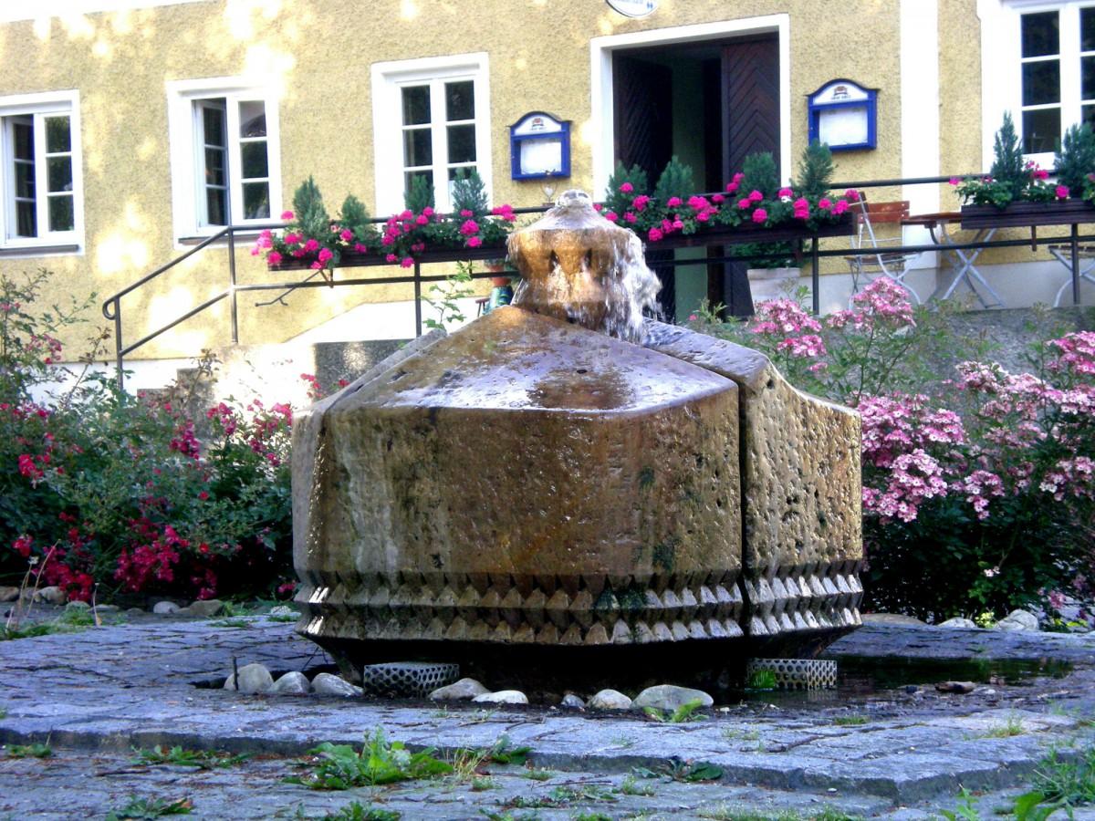 Dorfplatz-Postmünster