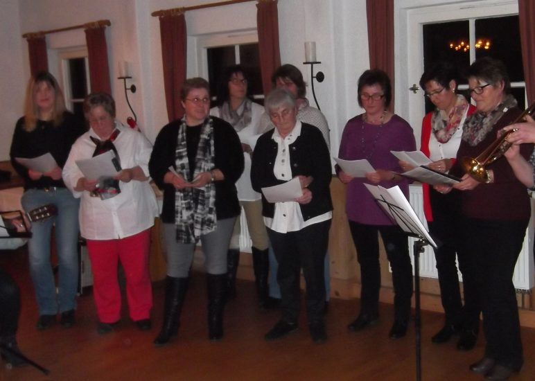 Adventsfeier mit Gedichten und Liedern
